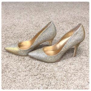💕Badgley Mischka Silver / Gold Iridescent Heels💕
